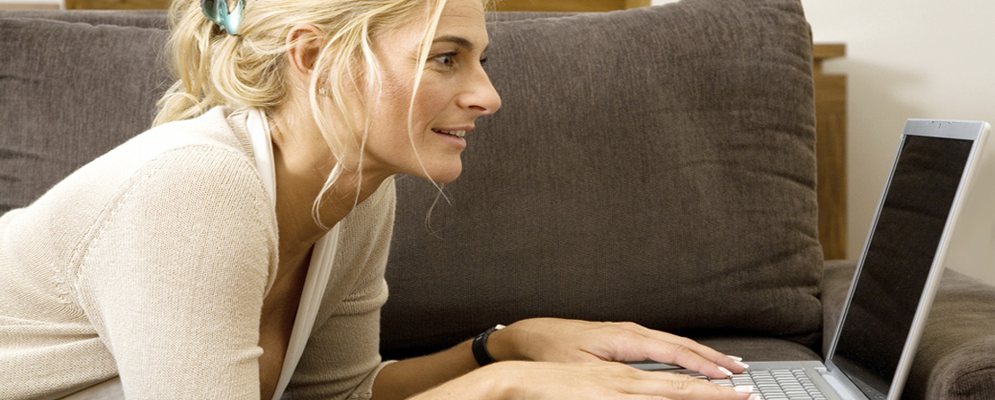SOC Slider blond laptop ecom